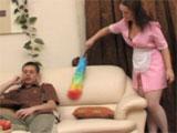 La chica de la limpieza y el hijo de la señora