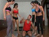 El profe de yoga se las folla a todas: video gratis