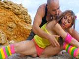 Sexo en la playa con la francesita Eva Lange