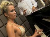 La alumna de piano follada por su profesor