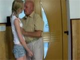 Joder, la nieta mete mano al abuelo