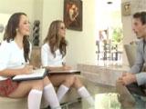 Porno con mis dos alumnas preferidas