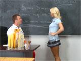 La alumna de mi clase a la que me follo
