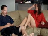 El aburrimiento les lleva al incesto porno