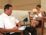 Las reuniones con la jefa acaban en porno