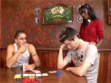 Me juego al poker a mi chica y pierdo