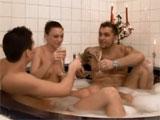 En la bañera con mis dos hermanos