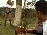 Porno en el campo con la culona Cleo Cadilac