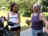 A mi nieta le encantan las motos grandes