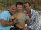 Porno en vacaciones con mi marido y su amigo
