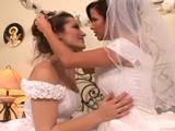 Antes de casarse, pasan la tarde juntas
