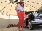 Tías buenas y coches de lujo, el sueño de todos - Actrices Porno