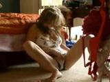 18 años, sola en su habitación, se masturba