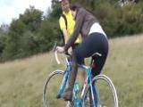 Madura se liga a un ciclista y a follar