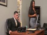 Os presento a mi secretaria, vaya culazo!