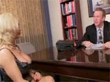 Seduciendo a su atractivo abogado