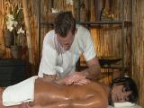 Morena milf follando con el masajista