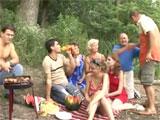 Orgia familiar durante un dia de campo