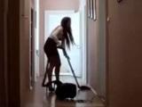 Follando con la limpiadora, menudo pivon…