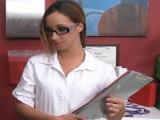 Follando con la enfermera y sus gafitas