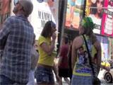 Un pedorro suelto en Times Square