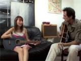 El profesor de musica se tira a su alumna