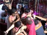Sexo sin control durante una fiesta