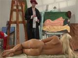 El pintor bohemio follandose a su joven modelo