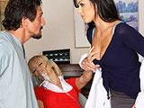 La dentista y su enfermero abusan de la paciente
