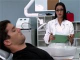Un polvo con la doctora en la clinica dental