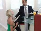 Prefiere trabajar antes que follarse a su mujer