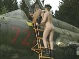 Se follan al piloto de un caza ruso