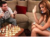 Una partida de ajedrez con Monique Fuentes