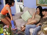 Mi madrastra y la criada, vayas dos putas viciosas