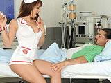 Gracias a sus cuidados el paciente sale del coma