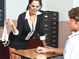 La profesora se quita las bragas